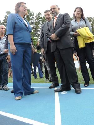 ministro george hilton reitora ufsc pista atletismo (Foto: Renan Koerich)