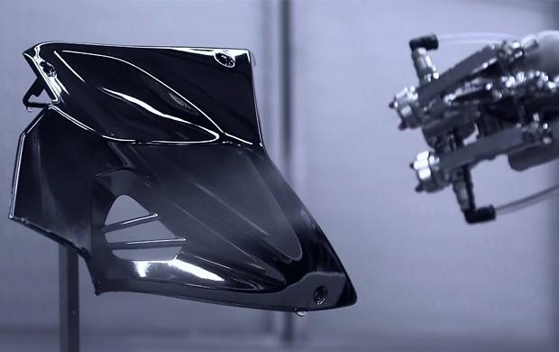 Kawasaki H2 terá pintura com prata (Foto: Reprodução / Youtube)