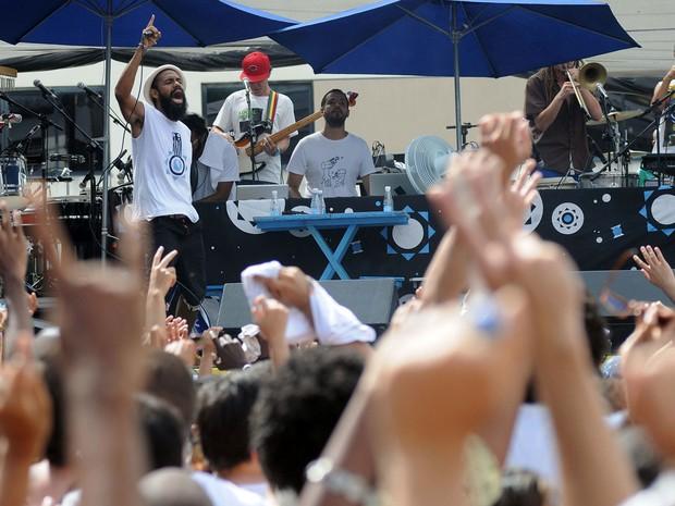 Público lotou espaço na primeira festa de réveillon da capital baiana (Foto: Angelo Pontes/Agecom)