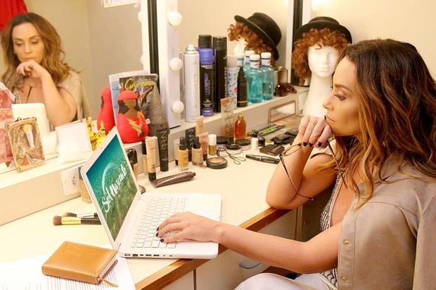A atriz Suzana Pires comemora ótima fase profissional na TV, teatro e nos cinemas (Foto: Mattoni Comunicação/Divulgação)