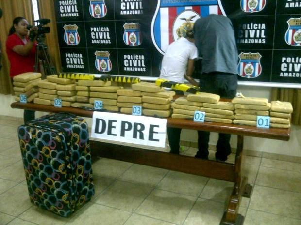 Dupla foi presa após denúncia (Foto: Ana Graziela Maia/G1 AM)