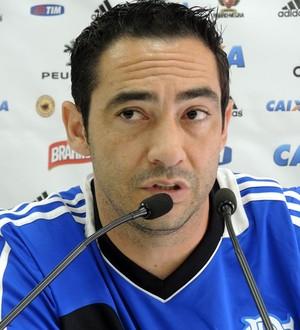 Chicão em entrevista coletiva (Foto: Carlos Mota )