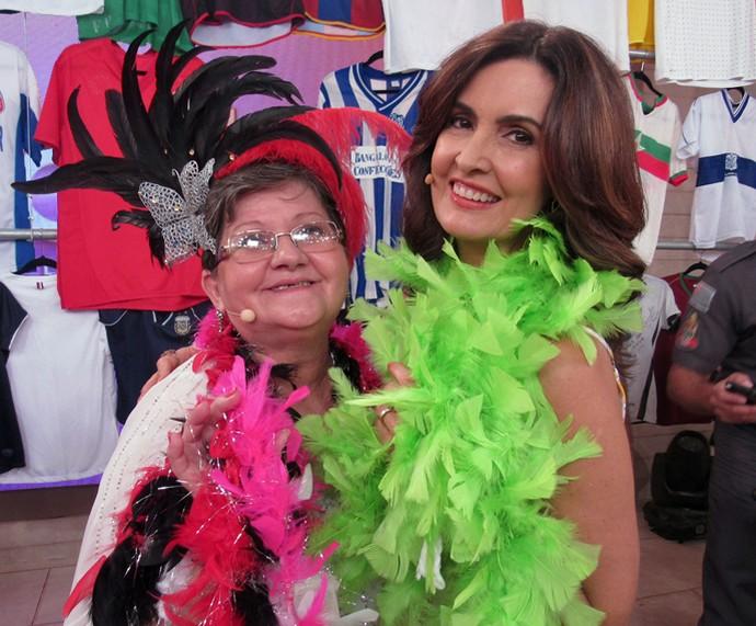 Dona Vilani deu um show cantando em inglês (Foto: Priscilla Massena/Gshow)