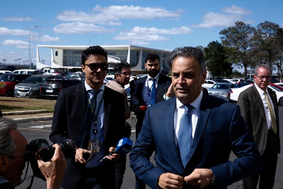 O senador Aécio Neves (PSDB-MG) volta ao Senado após mais de um mês afastado (Foto: Walterson Rosa/Framephoto/Estadão Conteúdo)