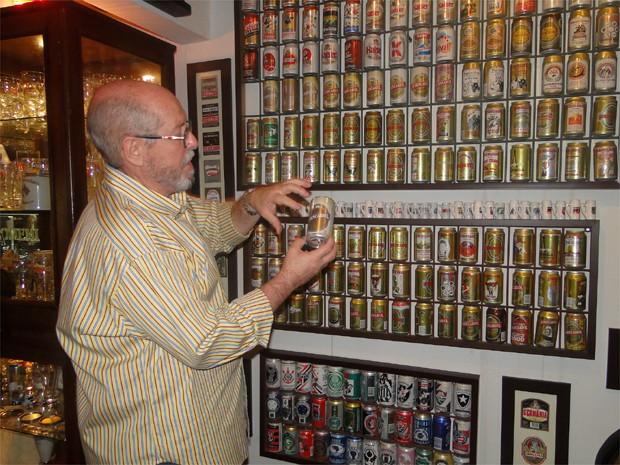 A paixão de colecionador chegou à produção de cerveja (Foto: Michel Montefeltro/G1)