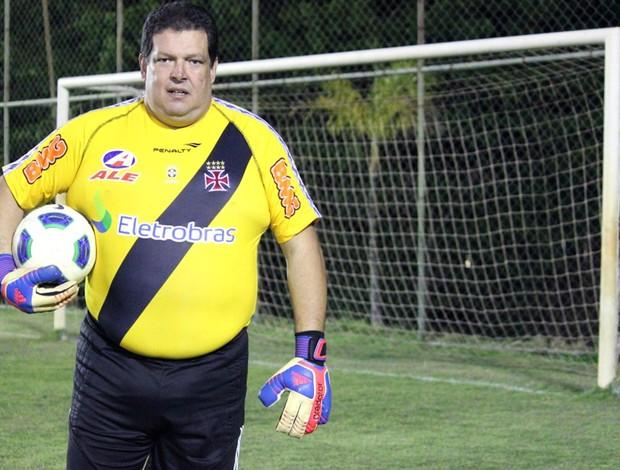 ex-goleiro Serjão, lembra dele (Foto: Fabrício Marques)