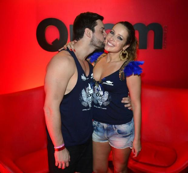 Renata Dominguez com o namorado, Márcio Bruzzi (Foto: André Muzell/ Ed. Globo)