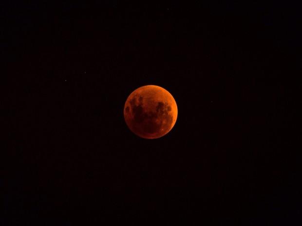 7374cd835 G1 - Moradores de Palmas registram Superlua e eclipse total ...