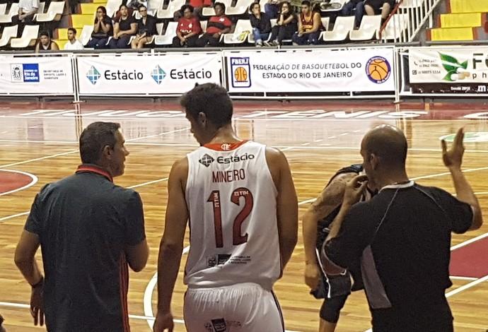 Flamengo x Botafogo; Estadual; basquete (Foto: Gabriel Fricke)