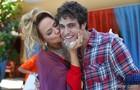 Ronny Kriwat ganhou um beijinho de Vivianne Pasmanter no intervalo das gravações (Foto: Pedro Curi/ TV Globo)