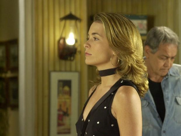 Laura tentou acabar com a vida de Maria Clara Diniz (Foto: João Miguel Júnior/ TV Globo)