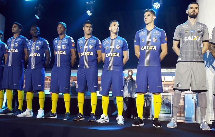 Lançamento do uniforme do Santos (Foto: Pedro Ernesto Guerra Azevedo/Santos FC)