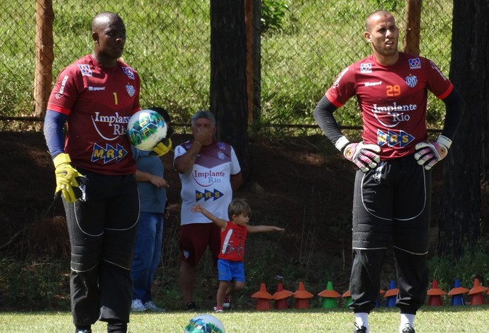 Glaysson e Rafael Santos Tupi-MG (Foto: Leandro Colares)