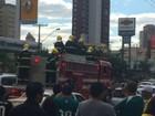 Centenas de pessoas homenageiam Fernandão em cortejo por Goiânia