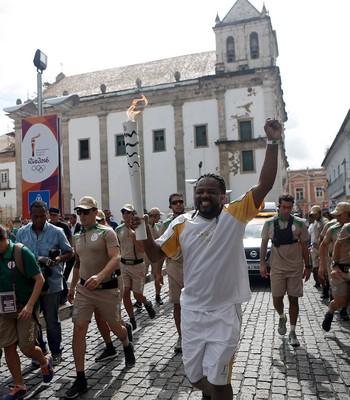 Tocha olímpica salvador xandy de pilares cantor (Foto: Rio 2016/Andre Luiz Mello)