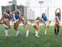 Misses Bumbum disputam partida de futebol que termina em pênaltis