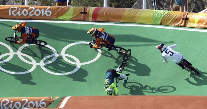 ciclismo BMX; olimpíadas; brasil; renato rezende; queda (Foto: Paul Hanna/Reuters)