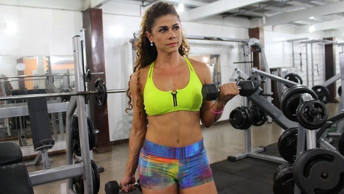 Fisiculturista Dounia Bouchabki (Foto: Lívia Costa)