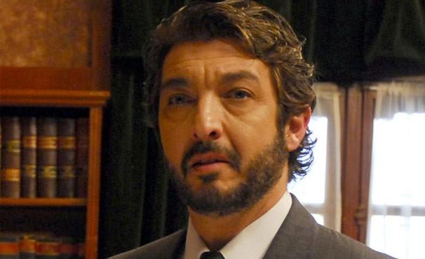 Ricardo Darin interpreta um detetive frustrado dos anos 50 (Foto: Divulgação / Reprodução)