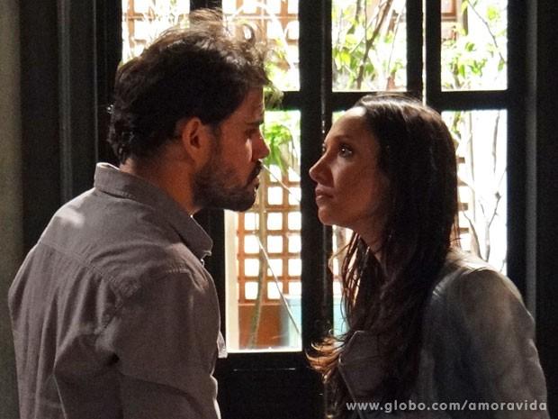 Ninho enfrenta Alejandra (Foto: Amor à Vida/ TV Globo)
