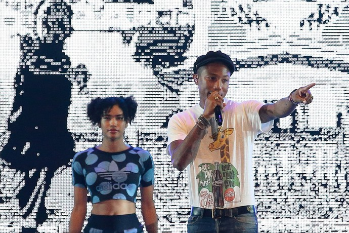 """Autor do hit """"Happy"""", Pharrell Williams fez show na noite desta sexta-feira (pelo horário local) em Cingapura (Foto: Getty Images)"""