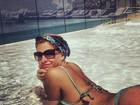 Luma Costa posa de biquíni em dia de piscina e parabeniza o Rio