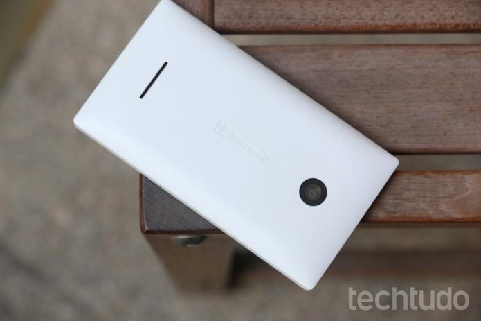 O Lumia 435 é o mais recente modelo de smartphone barato da Microsoft  (Foto: Lucas Mendes/TechTudo)