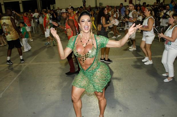 Gracyanne Barbosa na X-9 Paulistana (Foto: Amauri Nehn/Brazil News)