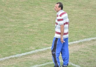 Douglas Hernandes técnico interino Ecus (Foto: Cairo Oliveira)