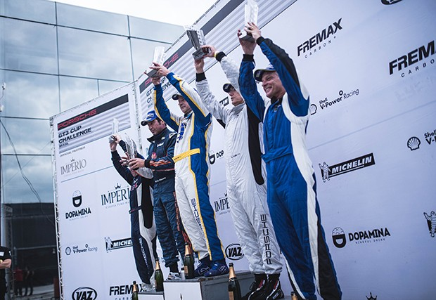 Pódio Porsche Cup Master corrida extra (Foto: Divulgação/Victor Eleuterio )