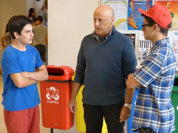 Indignado com a postura de Mathias, Rafa diz que vai embora da escola (Foto: Malhação  / TV Globo)