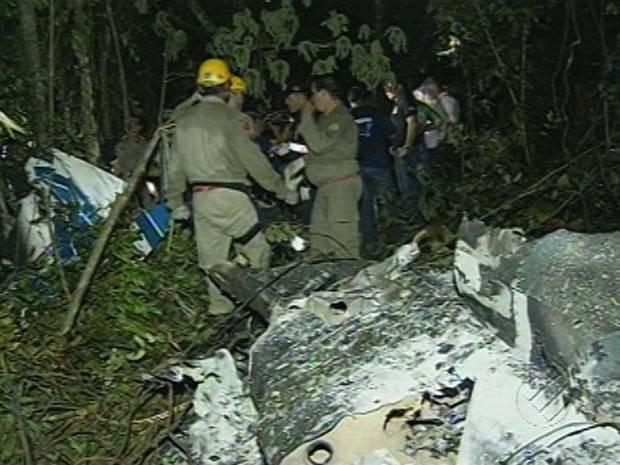 Monomotor incendiou na queda. Paragominas Avião acidente aéreo pará (Foto: Reprodução / TV Liberal)