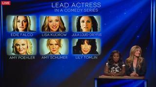 Uzo Aduba e Cat Deeley apresentam os indicados ao Emmy (Foto: Reprodução)
