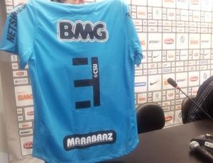 Santos tem novo patrocinador camisa santos (Foto: Lincoln Chaves / globoesporte.com)