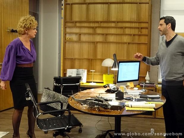 Ela fica uma fera quando Natan sugere que ela interprete a mãe de Brunettý (Foto: Sangue Bom/TV Globo)
