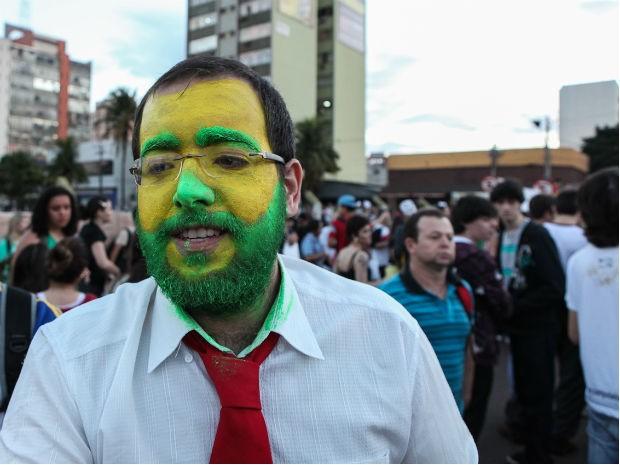 Protesto reuniu cinco mil pessoas em Maringá (Foto: Allan Nascimento)