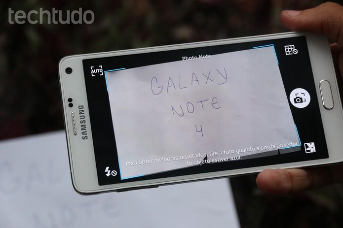 Recurso do S Note, que transforma uma foto do Galaxy Note 4 em uma imagem editável, em ação (Foto: Lucas Mendes/TechTudo)