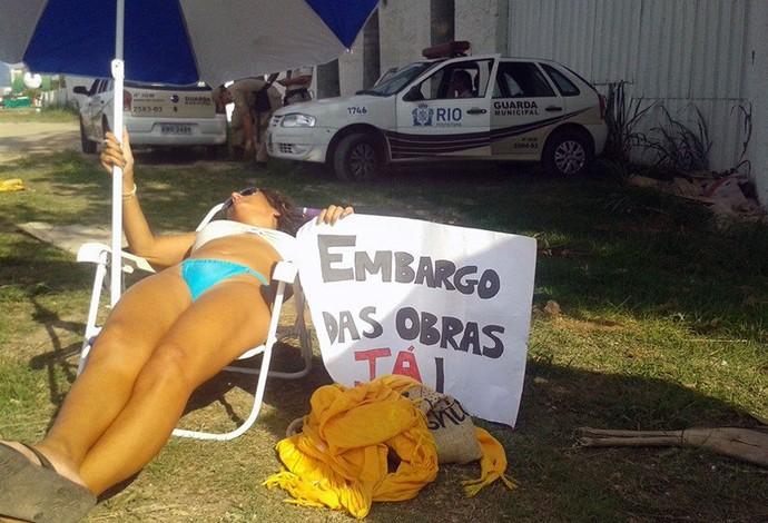 Protesto Campo de Golfe (Foto: Reprodução / Facebook)