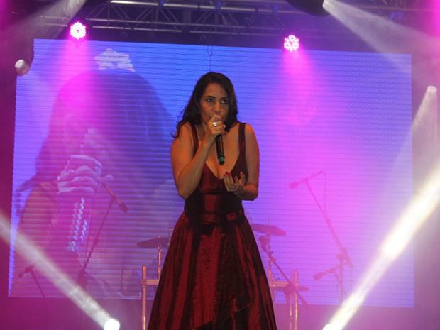 Eliana Printes durante sua apresentação no Palco Eldorado da 3ª Virada Cultural, em Manaus (Foto: Tiago Melo/G1 AM)