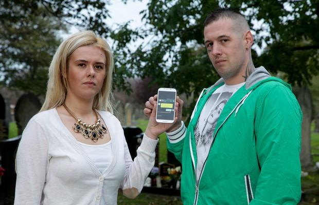 Família Fica Chocada Após Receber Mensagens De Um Celular Que Foi
