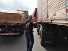 Em Manaus, 32 veículos são multados por irregularidades no tráfego