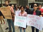 Manifestantes se reúnem contra impeachment em Mogi das Cruzes