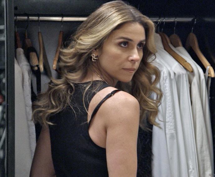 Atena ameaça Romero (Foto: TV Globo)