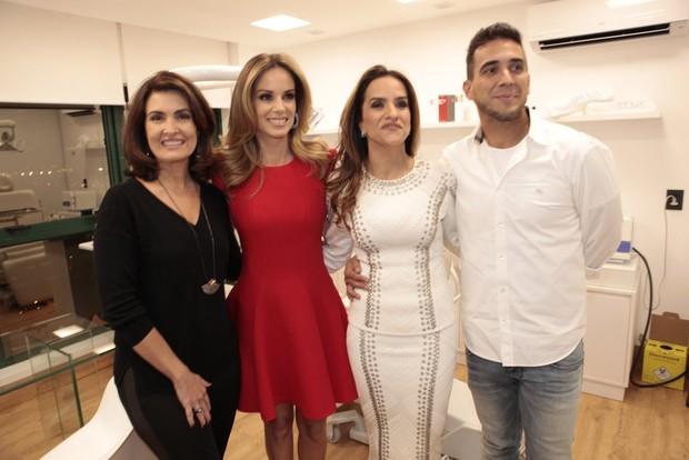 Fátima Bernardes, Ana Furtado, Daniele Alvarenga e André Marques (Foto: Isac Luz / EGO )