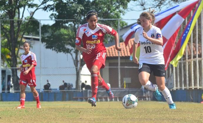 Estefanía Banini meia Colo-Colo argentina futebol feminino (Foto: Tião Martins/ PMSJC)