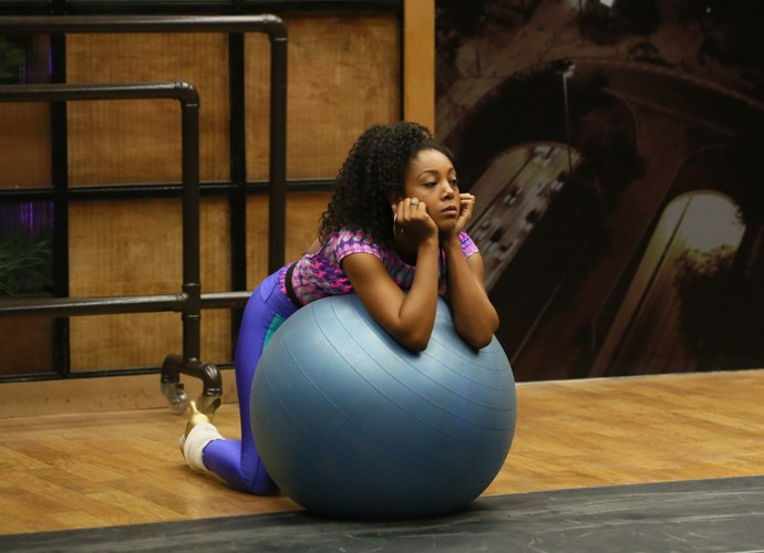 Negra Li relaxa no ensaio do Dança  (Foto: Isabella Pinheiro/ Gshow)
