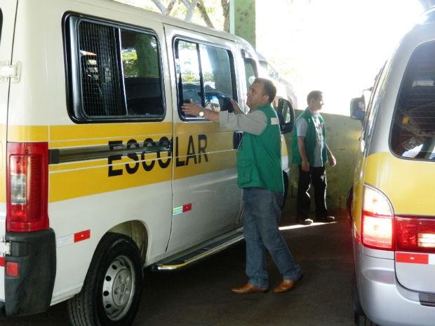Vistoria de vans escolares (Foto: Divulgação/Urbes)