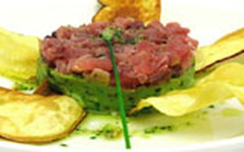 Purê de Abacate com tartar de atum