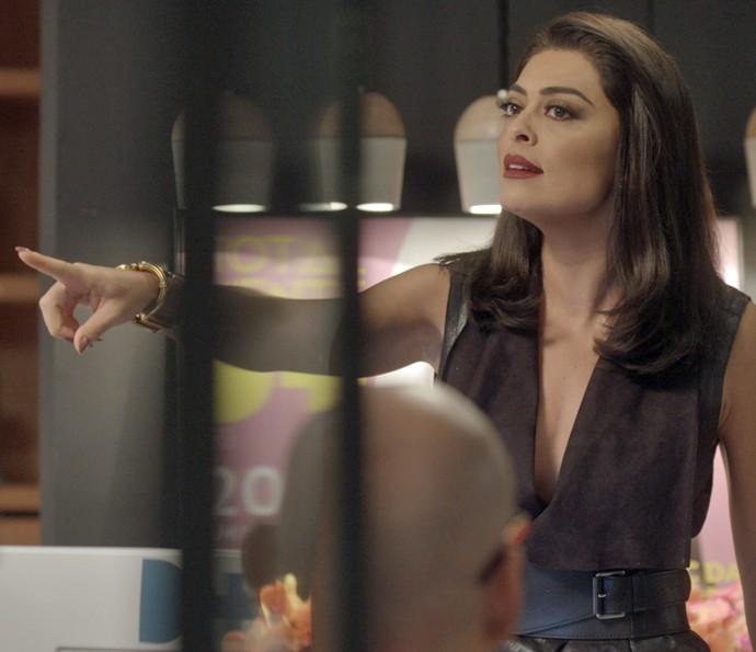Carolina reage ao ser questionada (Foto: TV Globo)