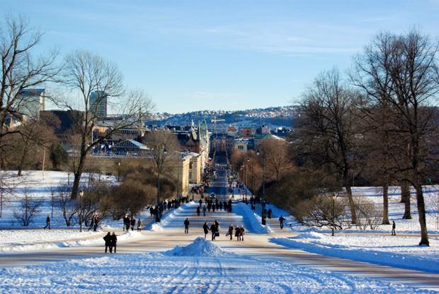 (Foto: Wikimedia Commons / Bjørn Erik Pedersen / http://commons.wikimedia.org/wiki/File:Oslo_fra_slottet_1.jpg )